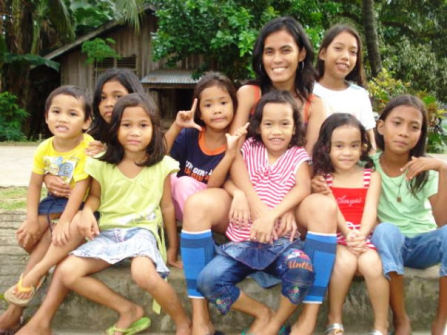 Cheche with a few of the family kids in Anda, Bohol